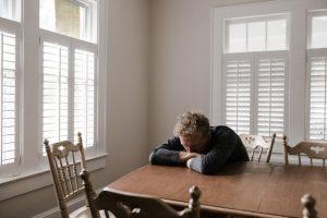 איך להתמודד עם דכאון ללא תרופות