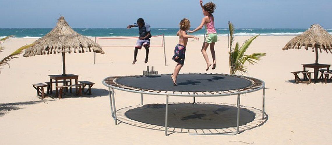 איך למשוך את הילדים לפעילויות פנאי בחצר